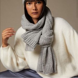 NWT Plush Oversize Chevron Cable Knit Scarf